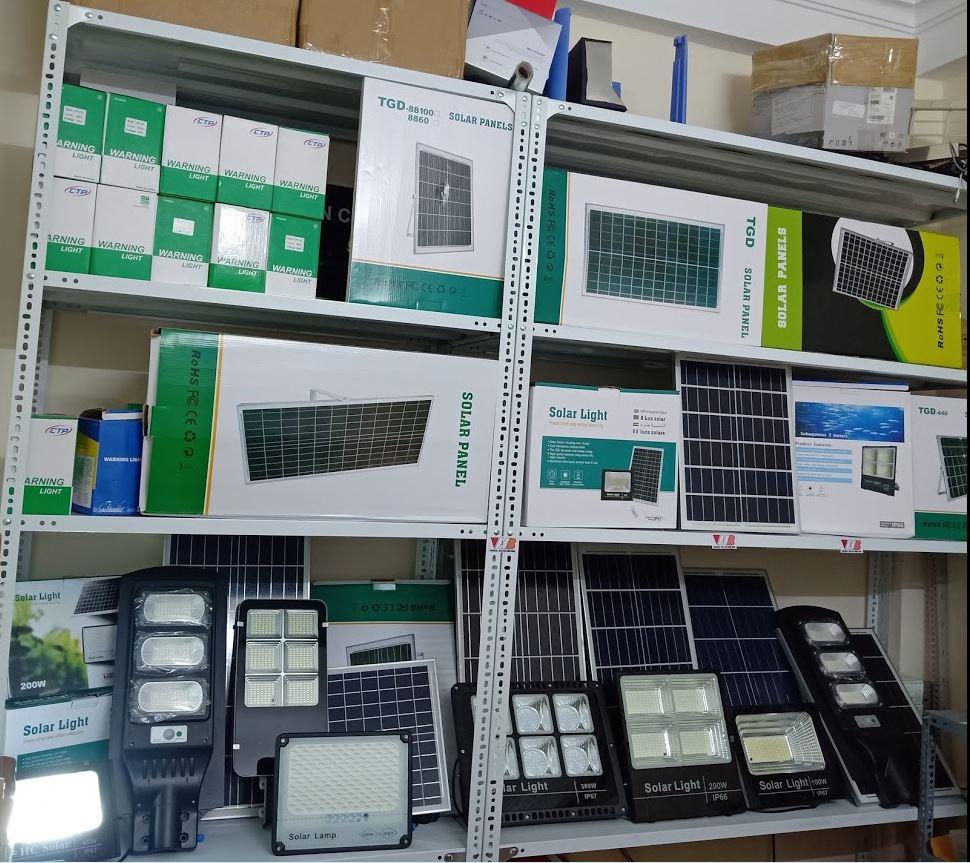 Đèn tích điện mặt trời VHB