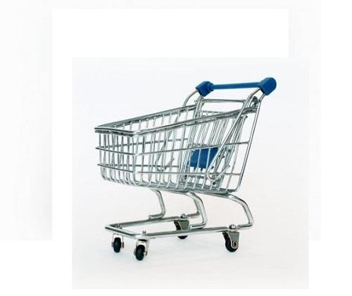 xe đẩy hàng trong siêu thị